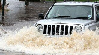 Dicas para não comprar um 'carro de enchente'