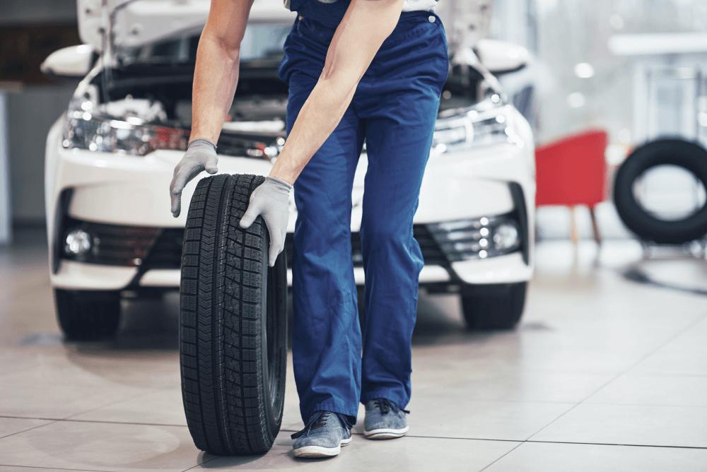 rodízio de pneus homem pneu carro