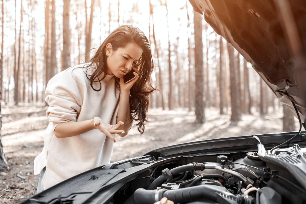 seguro de carro mulher carro quebrado