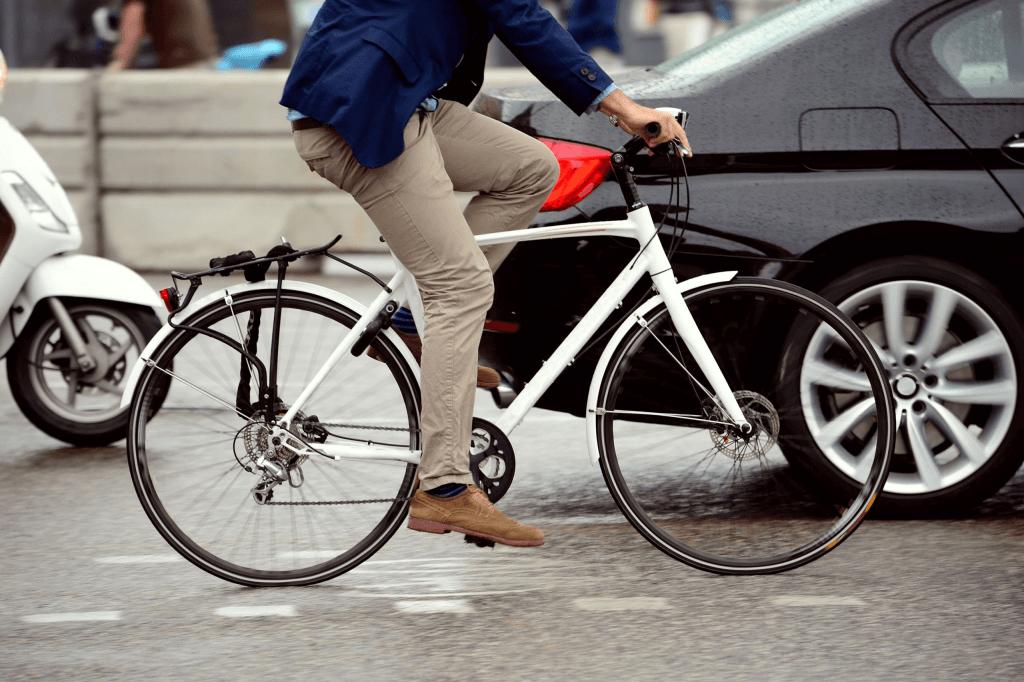ultrapassagem-de-ciclistas-Dok-Despachante-blog (1)
